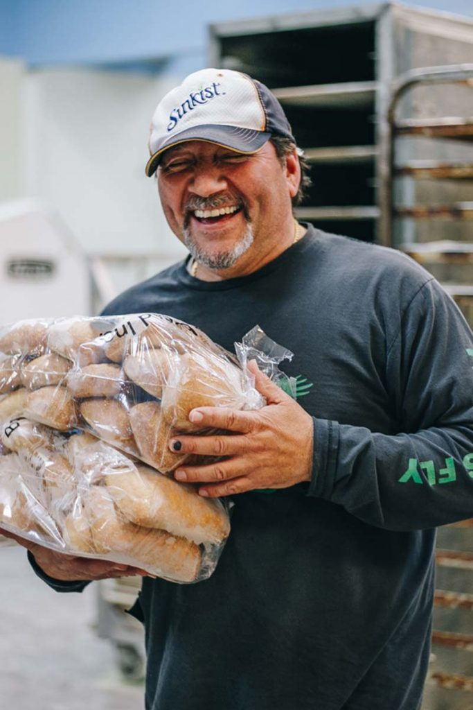 Bread Distributor