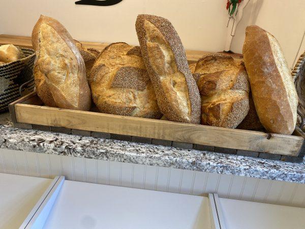 boaggios-large-round-bread