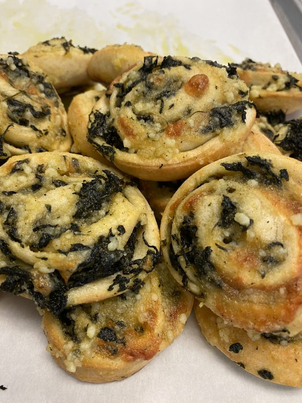 boaggios-pinwheels-spinach