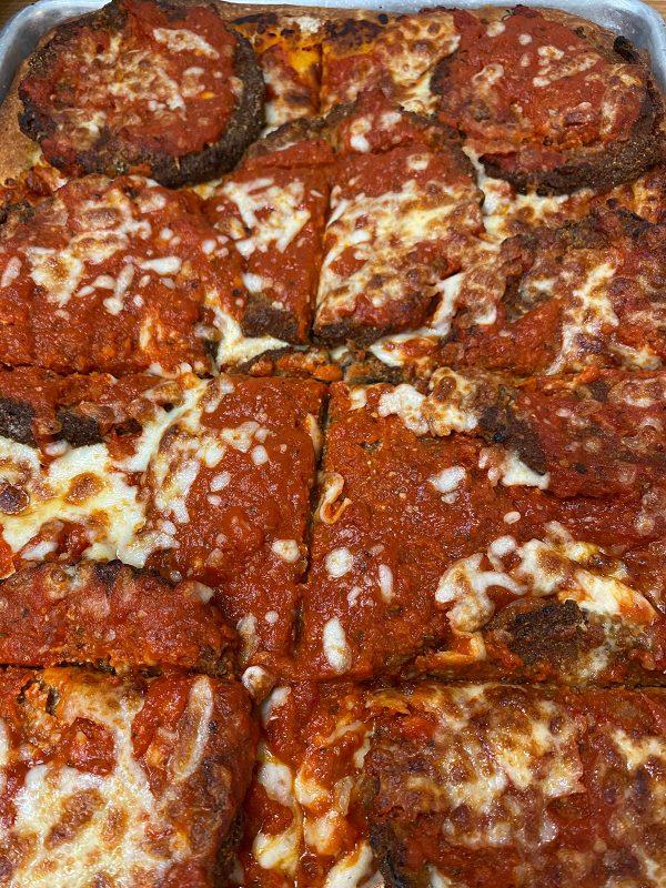 boaggios eggplant parm pizza